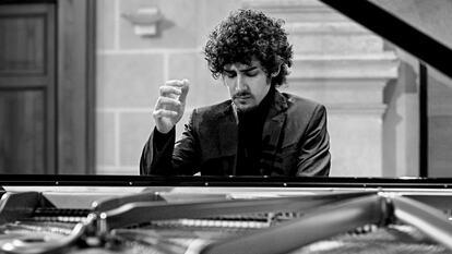 Federico Colli, pianist