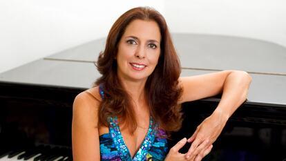 Clara Rodriguez, pianist