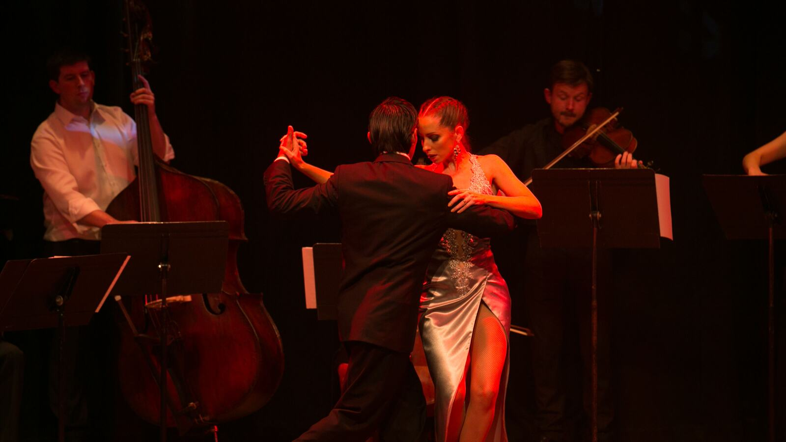 Tangos for Angels and Demons, Tango dancers