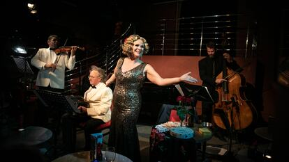 Ann Liebeck performs Marlene in Havana