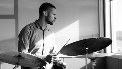 Myele Manzanza, musician